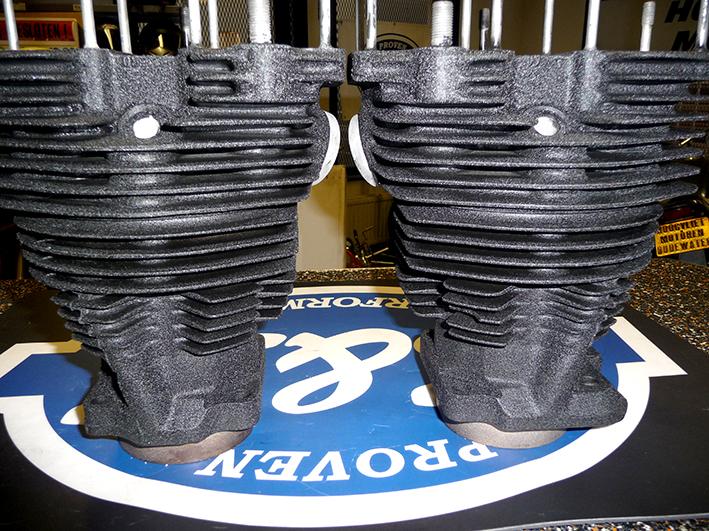 Gereviseerde Shovel cilinders en koppen in krimplak